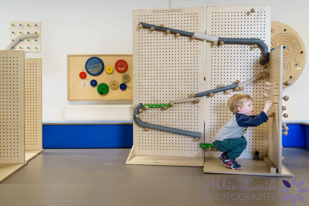 boy at deutsches museum